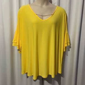 Cato yellow flutter sleeve top. Sz 26 / 28